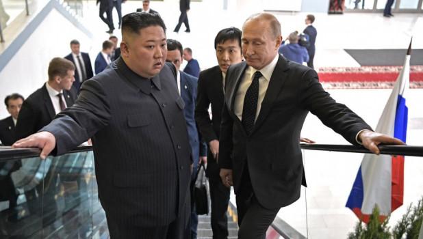 Владимир Путин с лидером КНДР Ким Чен Ыном.