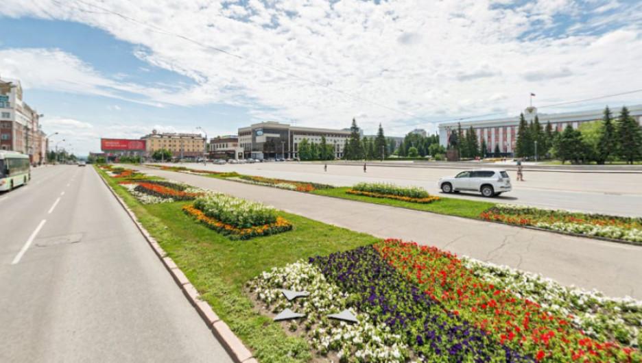 Аллея на пр. Ленина в Барнауле.
