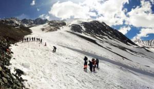 Спасатели в горах Алтая.