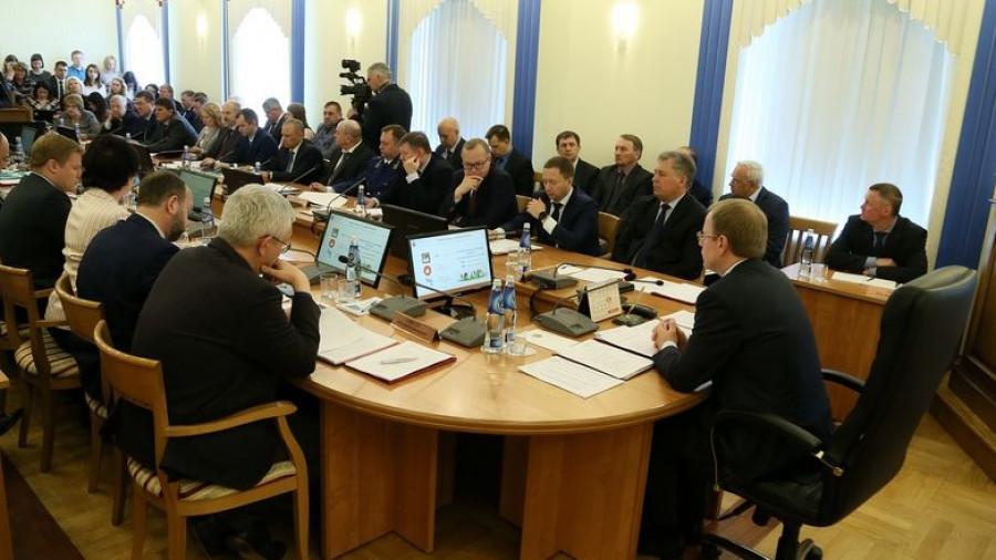 На совещании в правительстве Алтайского края 17 мая 2019 года.
