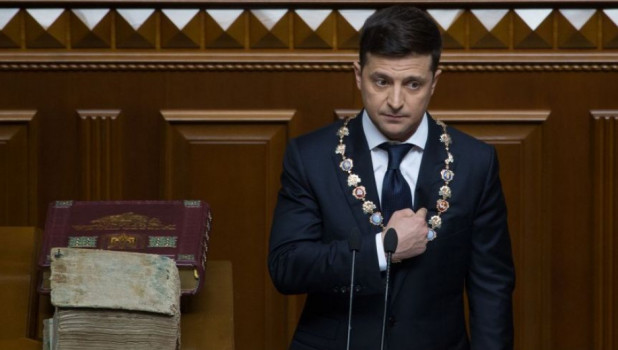 Дача, квартиры и домик в Италии. Партия Порошенко требует выселить Зеленского из резиденции президента