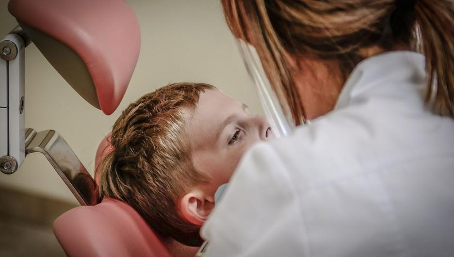 Врач. Стоматолог.