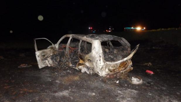 На бийской трассе после ДТП сгорел внедорожник.