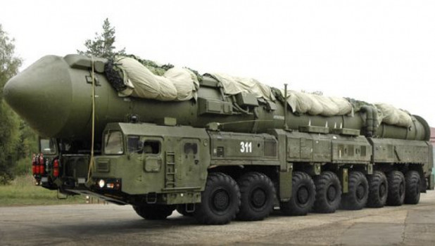 Подвижный грунтовой ракетный комплекс «Ярс».