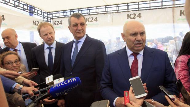 Губернатор Виктор Томенко (слева), Сергей Меняйло (в центре), Джамбулат Хатуов (справа)
