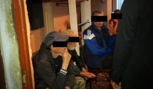 Волонтеры приюта похитили деньги со счета постояльца.
