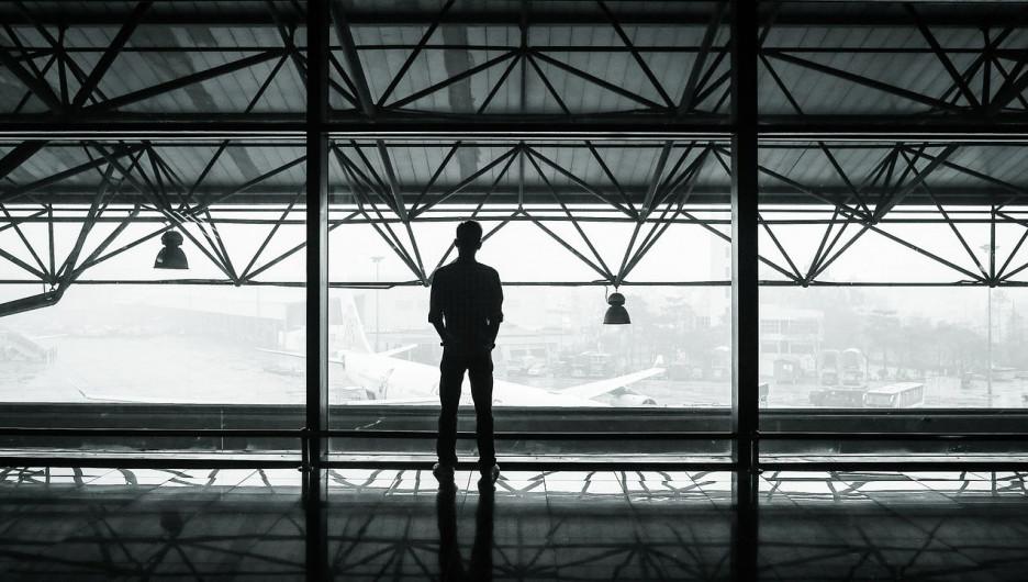 Аэропорт. Пассажиры. Командировка.