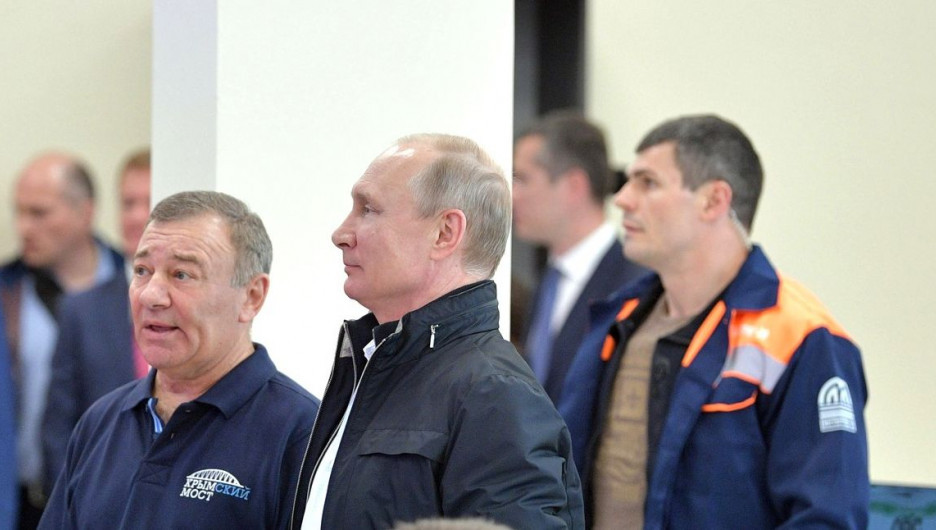 Друзья Аркадий Ротенберг и Владимир Путин.