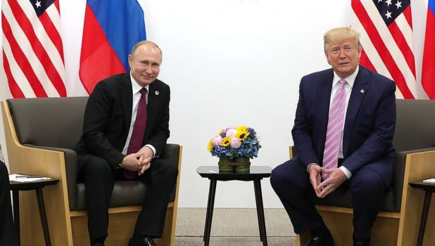 Взаимная симпатия: Трамп откровенно рассказал об отношениях с Путиным