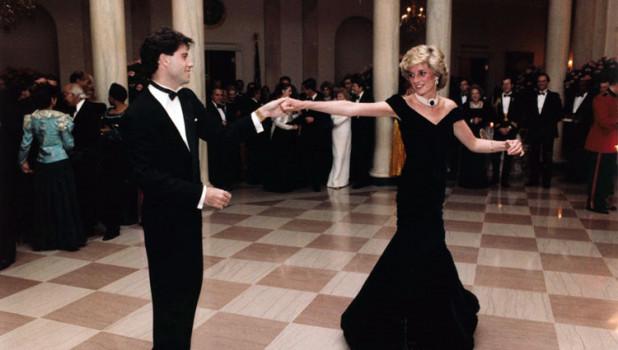 Принцесса Диана танцует с Джоном Траволтой на приёме в Белом доме, 9 ноября 1985.