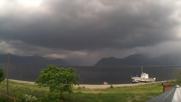 Буря над Телецким озером.