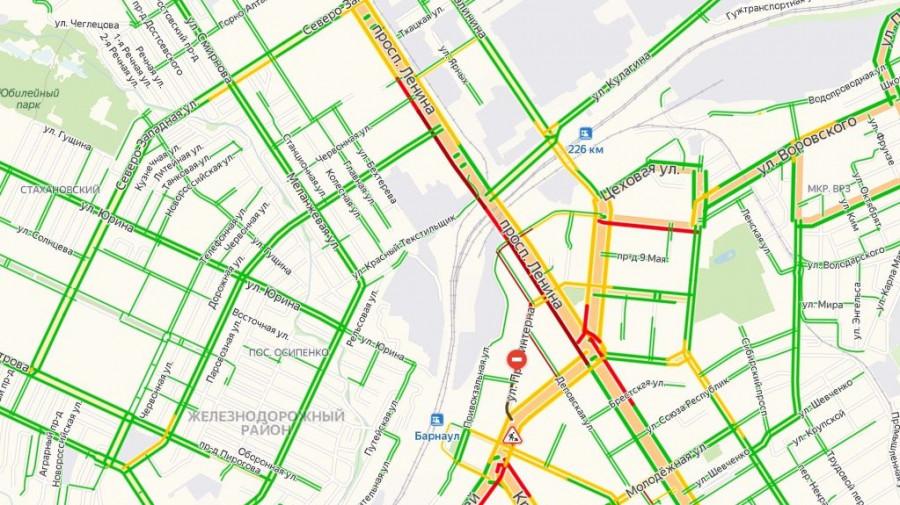 Пробка на проспекте Ленина 5 июля.