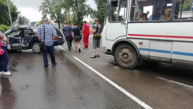 ДТП с пассажирским автобусом в Бийске.