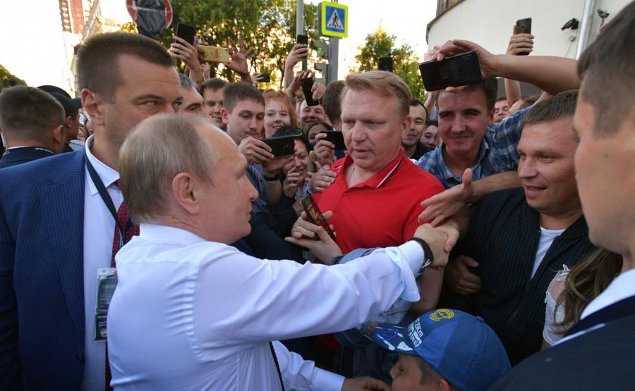 Владимир Путин на встрече со студентами в Екатеринбурге