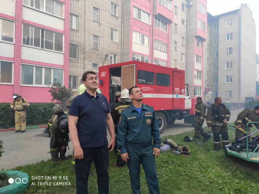Мэр Барнаула Сергей Дугин приехал на пожар 10 июля 2019 года.