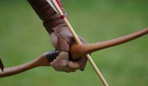 Лук и стрелы.
