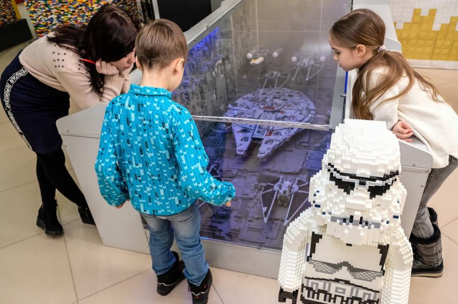 Интерактивная выставка конструктора «Мир кубиков».