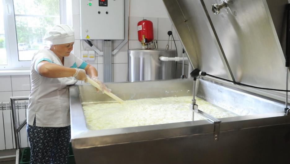 """Молочное производство на """"Логовской сыроварне"""""""