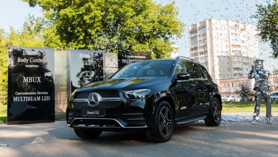 Презентация премиального внедорожника Mercedes-Benz.