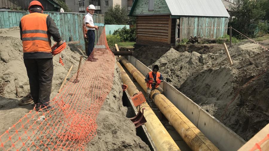 Перекладка тепловых сетей на ул. Водопроводной в Барнауле. 18 июля 2019 года.