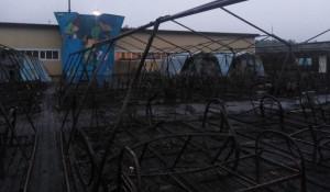 Палатки детского лагеря выгорели полностью.
