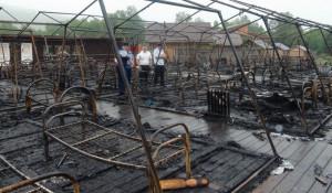 Сгоревший палаточный лагерь в Хабаровском крае.