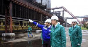 Завод «Алтай-кокс» посетил губернатор Виктор Томенко.