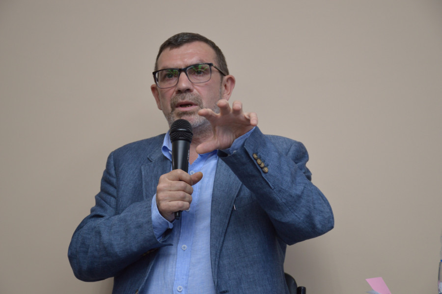 Писатель Павел Басинский провел творческую встречу в Барнауле