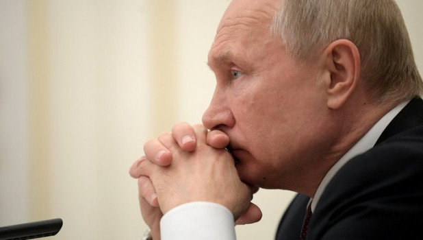 Неодобрямс: почти треть опрошенных россиян недовольны работой Путина