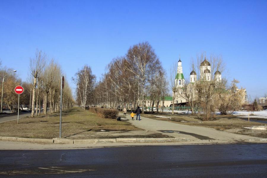 Аллея на Георгия Исакова (до благоустройства).