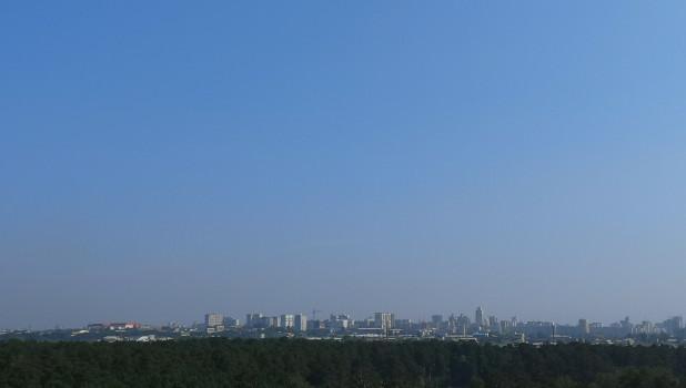 Голубое небо в Барнауле после смога.