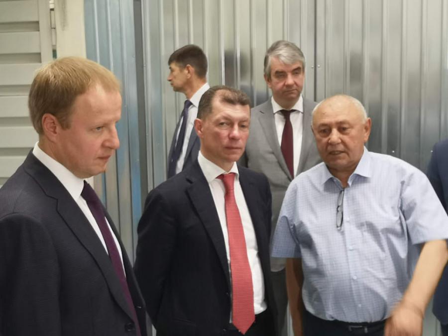 Министр труда и соцзащиты РФ Максим Топилин на АЗПИ.