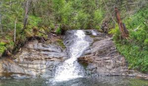 Один из водопадов на реке Шинок в Солонешенском районе.