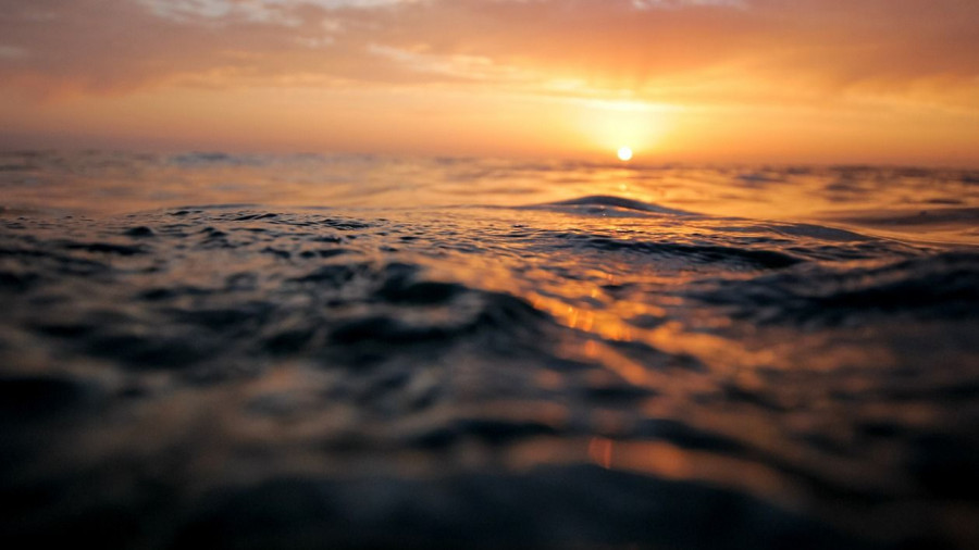 Море. Волны.