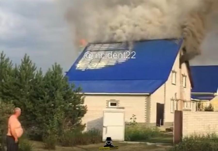 Пожар в поселке Авиатор.