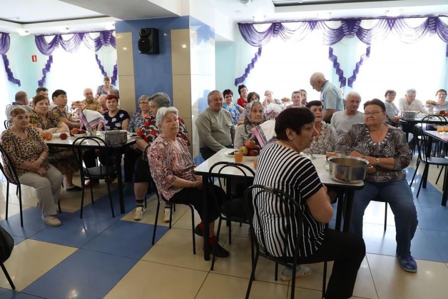 Алтай-Кокс финансирует социальные программы.