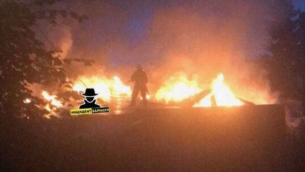 Пожар в Барнауле на ул. Аэродромной, 120.