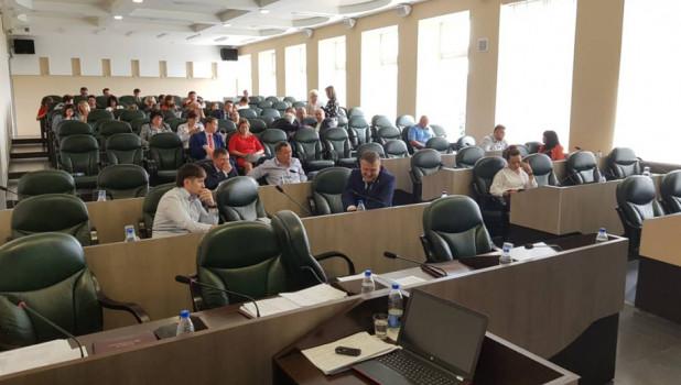 Единороссы сбежали с заседания Бийской гордумы.