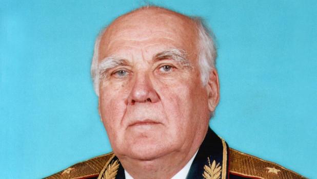 Генерал-майор Василий Сныцерев.