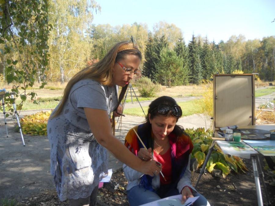 Ирина Шутова де Парра преподает живопись.