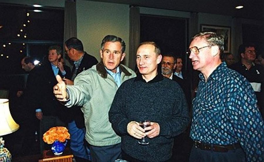 Президенты РФ и США Владимир Путин и Джордж Буш, 2001 год.