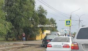 ДТП на улице Аванесова в Барнауле.
