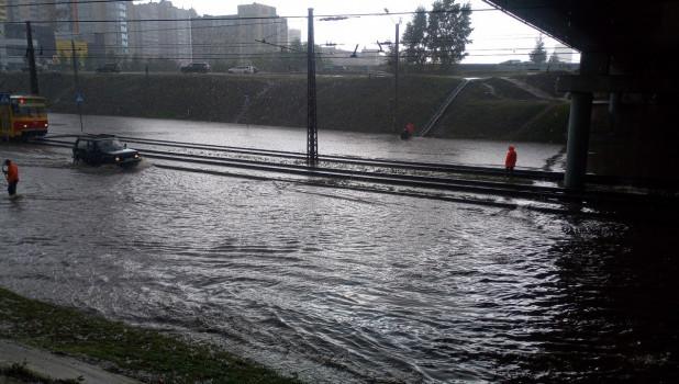 В Барнауле затопило ул. Малахова.