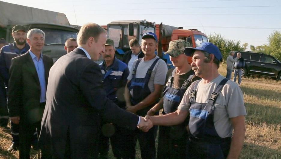 Встреча губернатора Виктора Томенко с руководителями хозяйств и фермерами.