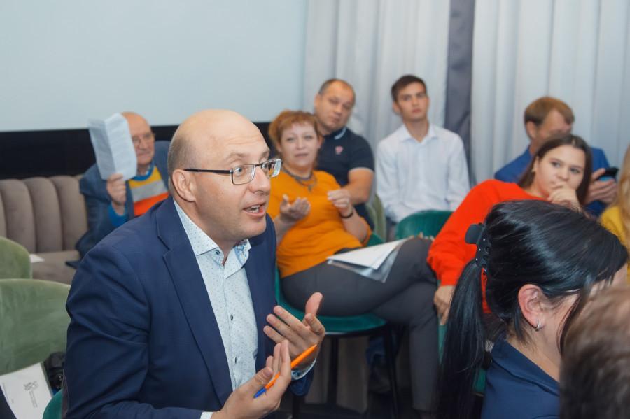 В экспертном клубе «2030» подвели итоги единого дня голосования в Алтайском крае