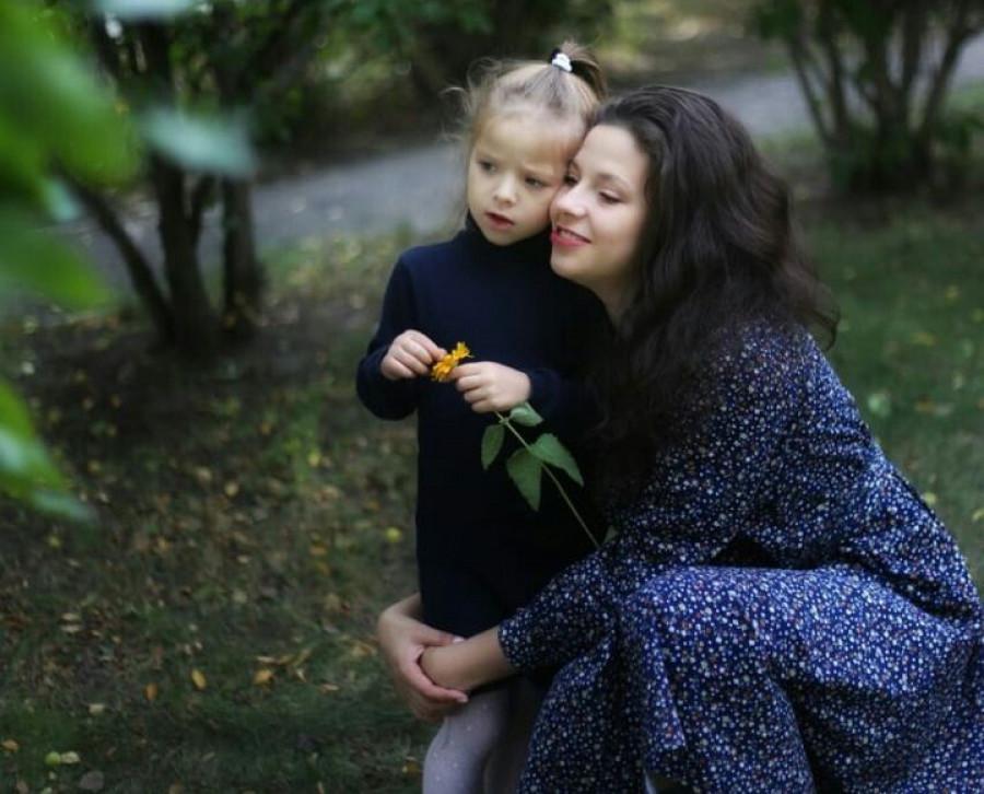 Анастасия Булатова с дочкой