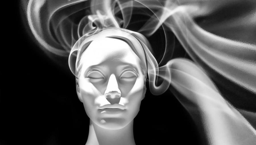Маска. Лицо. Дым