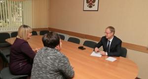 Виктор Томенко обсудил с жителями развитие степных районов Алтая.