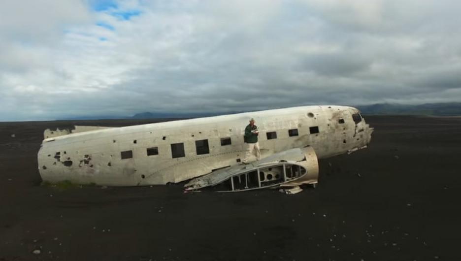 Douglas Dakota C-117 после крушения в 1973-м.