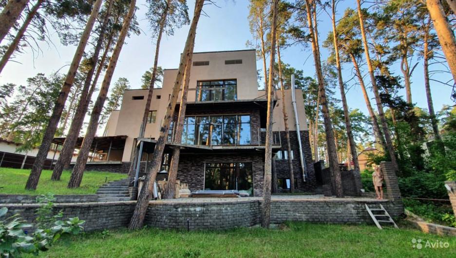 Элитный коттедж в Барнауле.